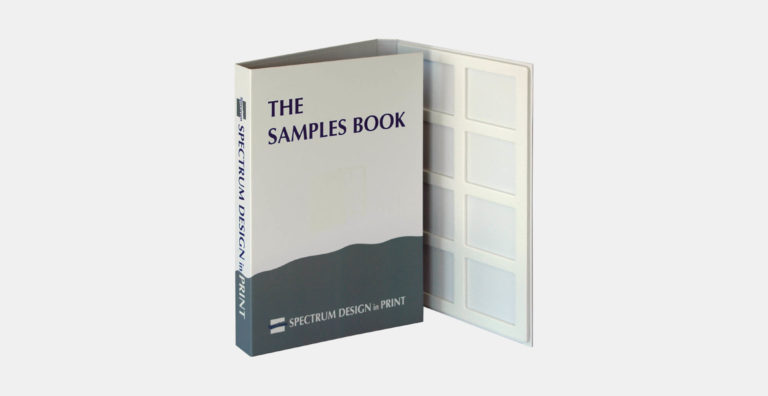 מארז דוגמאות ממותג בהתאמה אישית מקרטון קשיח דחוס עם מסגרות צורניות להצגת עד 32 דוגמאות שיש, מקום למיתוג של 2-5 עמודים